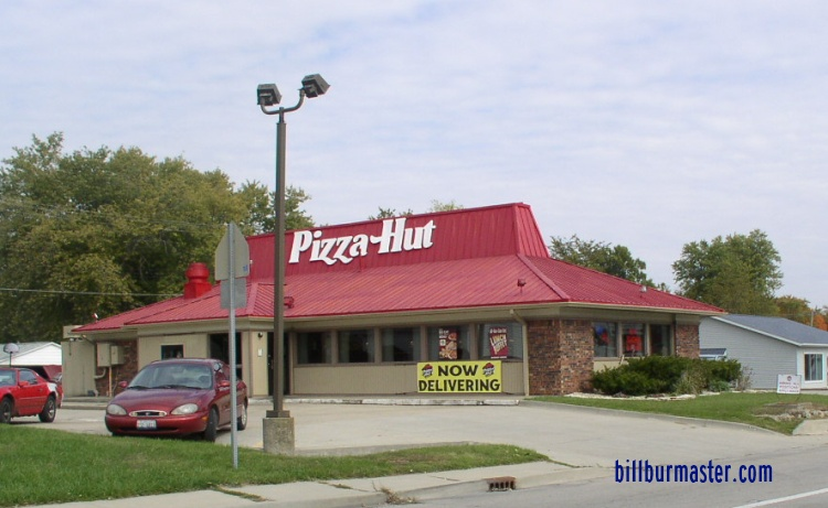 Contacting Pizza Hut Headquarters. Pizza Hut is a pizza restaurant owned and operated by Yum! Brands. All contact information for the corporate headquarters is directed through the main company.