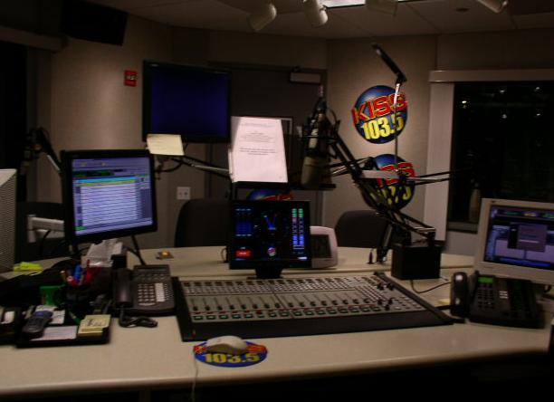 103 5 chicago radio station: